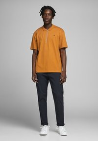 Jack & Jones PREMIUM - Polo - light brown - 1