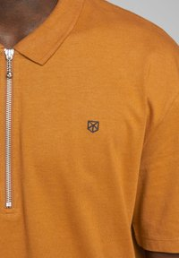 Jack & Jones PREMIUM - Polo - light brown - 4