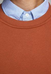 Jack & Jones PREMIUM - BASIC - Sweatshirt - hot spicy - 4