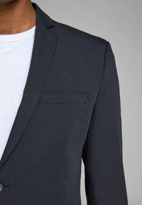 Jack & Jones PREMIUM - Suit jacket - dark navy - 4