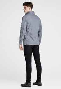 Jack & Jones PREMIUM - Chaqueta outdoor - sedona sage - 2