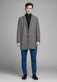Jack & Jones PREMIUM - JPRMOULDER  - Cappotto corto - dark grey melange - 1