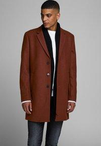 Jack & Jones PREMIUM - JPRMOULDER  - Short coat - brown - 0