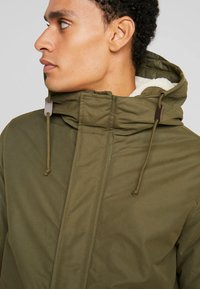 Jack & Jones PREMIUM - JPRWETFORD - Parka - olive night
