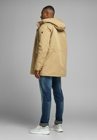 Jack & Jones PREMIUM - JPRWETFORD - Parka - brown - 2