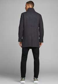 Jack & Jones PREMIUM - JPRCOLLUM - Short coat - dark grey melange - 2
