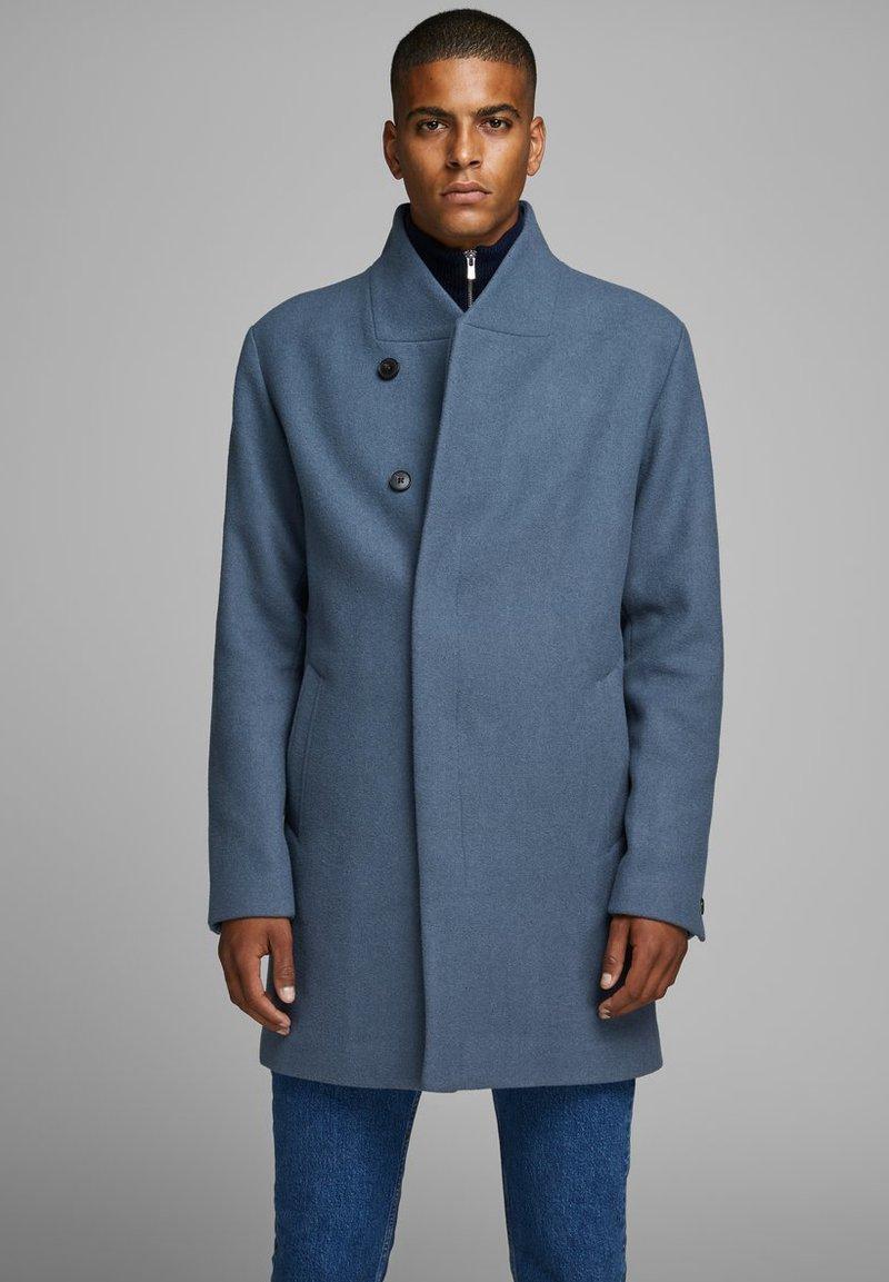 Jack & Jones PREMIUM - JPRCOLLUM - Short coat - china blue