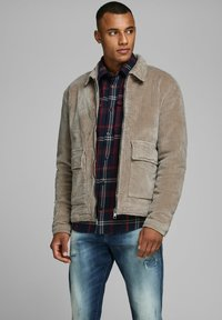 Jack & Jones PREMIUM - Allvädersjacka - light brown - 0
