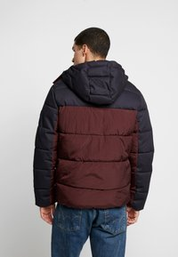 Jack & Jones PREMIUM - JPRICEBREAKER PUFFER JACKET - Zimní bunda - fudge - 2