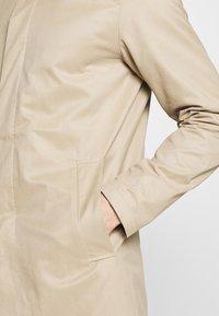 Jack & Jones PREMIUM - LEISTER  - Short coat - classic beige - 5