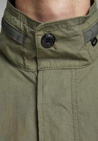 Jack & Jones PREMIUM - RUSTIKALE FELD - Summer jacket - dusky green - 4