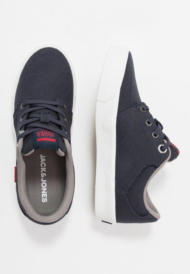 JRBARTON - Sneakersy niskie - navy blazer