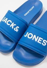 Jack & Jones Junior - JRLARRY SLIDER  - Pantofle - imperial blue - 6