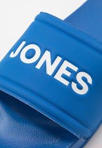 Jack & Jones Junior - JRLARRY SLIDER  - Pantofle - imperial blue - 2