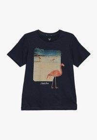 Jack & Jones Junior - JORTRAVELLER TEE CREW NECK  - Camiseta estampada - total eclipse - 0