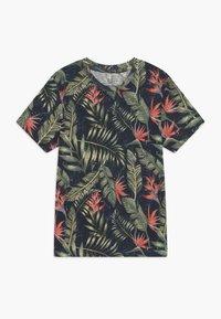 Jack & Jones Junior - JORELI TEE CREW NECK - Print T-shirt - navy blazer - 0