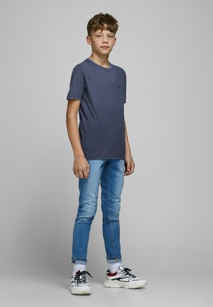 T-SHIRT JUNGS BRUSTTASCHEN - Basic T-shirt - navy blazer