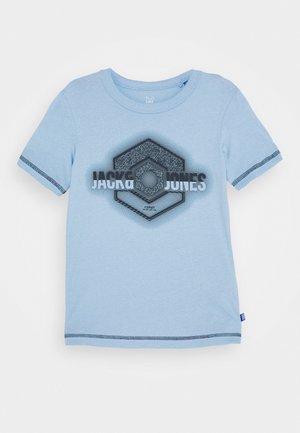 JCOUNIVERSE TEE CREW NECK  - T-shirt print - dusk blue