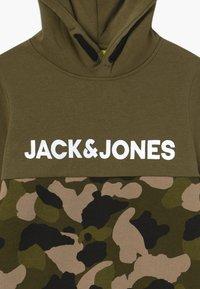 Jack & Jones Junior - JCOLUDO HOOD - Hoodie - winter moss - 3