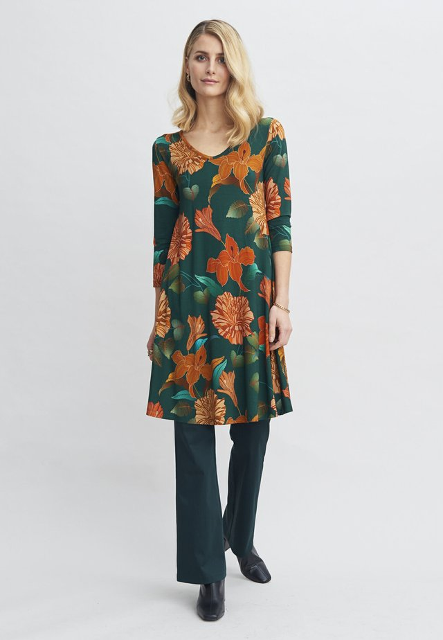 Korte jurk - renewal