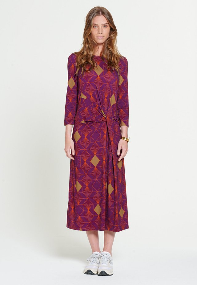 DIONNE - Korte jurk - purple