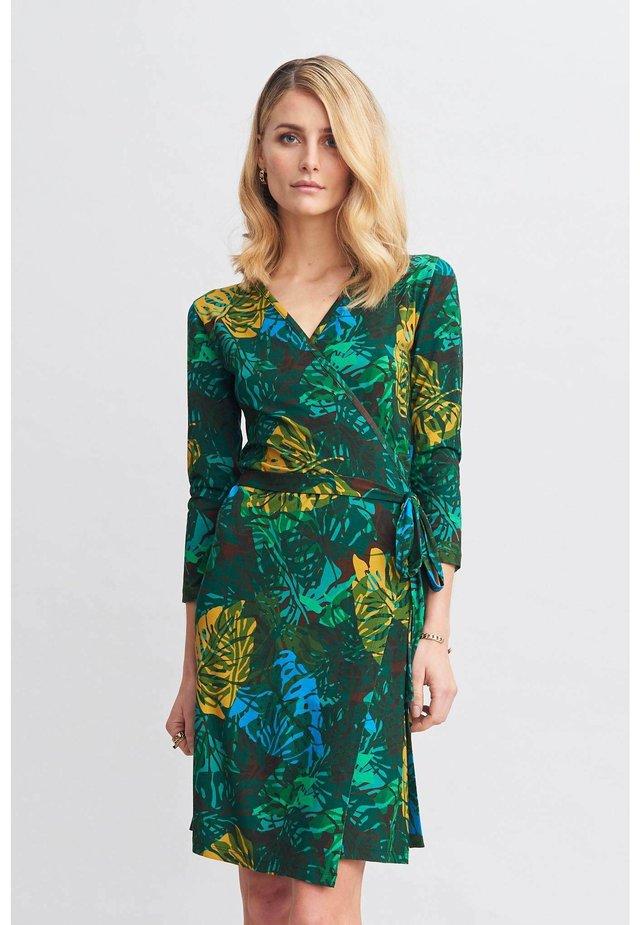 LUNA - Korte jurk - green