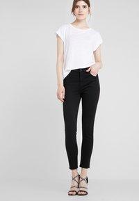 J Brand - ALANA HIGH RISE  - Jeans Skinny Fit - black - 0