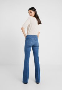 J Brand - VALENTINA HIGH RISE  - Flared jeans - endeavor - 2