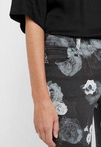 J Brand - Jeans Skinny Fit - noir - 4