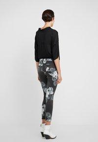 J Brand - Jeans Skinny Fit - noir - 2