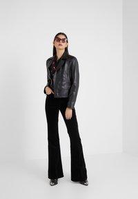 J Brand - VALENTINA - Flared Jeans - black - 1