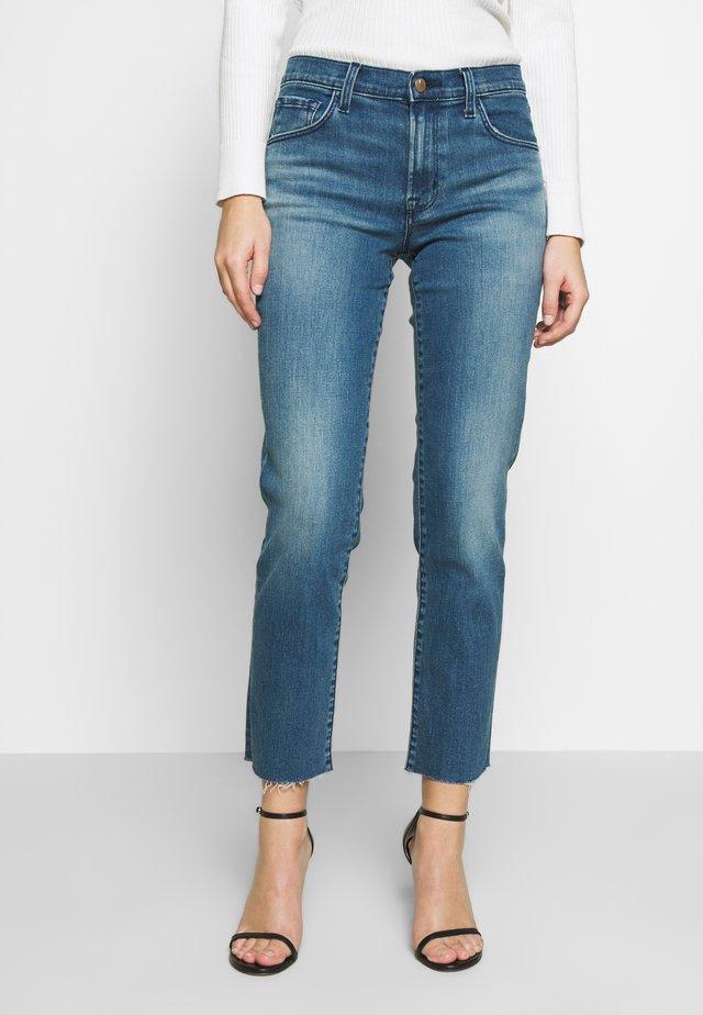 ADELE MID RISE - Jeans straight leg - sorority raze
