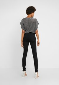 J Brand - MARIA HIGH RISE POCKETS - Jeans Skinny Fit - vanity - 2