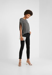 J Brand - MARIA HIGH RISE POCKETS - Jeans Skinny Fit - vanity - 1
