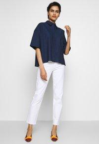 J Brand - ADELE RISE - Jeans Straight Leg - white - 1