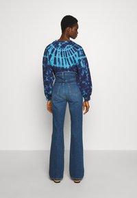 J Brand - RUNWAY HIGH RISE BOOT - Jeans Bootcut - blue denim - 2