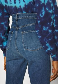 J Brand - RUNWAY HIGH RISE BOOT - Jeans Bootcut - blue denim - 4