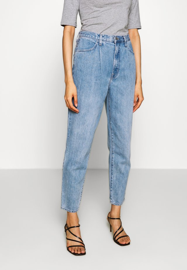PLEAT FRONT PEG SUPER HIGH RISE STRAIGHT - Straight leg jeans - blissed