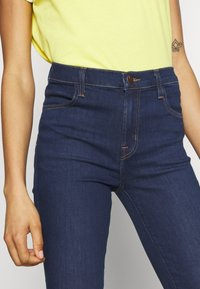 J Brand - ALANA HIGH RISE CROPPED - Jeans Skinny Fit - moro - 4