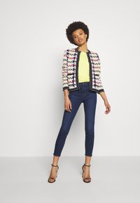J Brand - ALANA HIGH RISE CROPPED - Jeans Skinny Fit - moro - 1