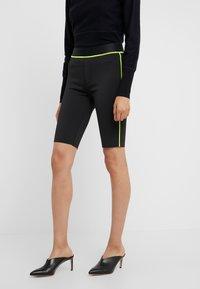 J Brand - DELLAH HIGH RISE BERMUDA - Shorts - black - 0