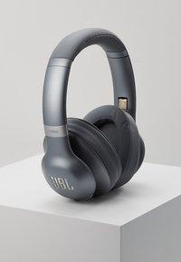 JBL - JBL EVEREST 710 WIRELESS OVER-EAR HEADPHONES - Headphones - silver - 0