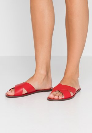 CYPRUS - Mules - bold red