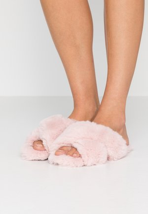 FUZZY CROSSED - Slippers - soft rose