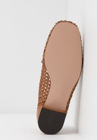 J.CREW - AVENUE LOAFER BOW - Slip-ons - roasted pecan - 6