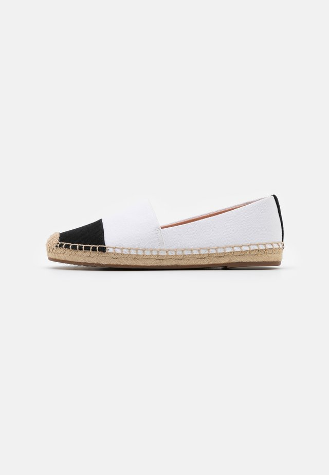 SHOE WITH TOE CAP - Espadrillas - ivory