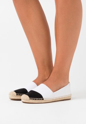 SHOE WITH TOE CAP - Espadrillot - ivory