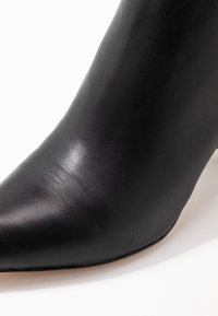J.CREW - POINTY TOE MAYA BOOT - Nilkkurit - black