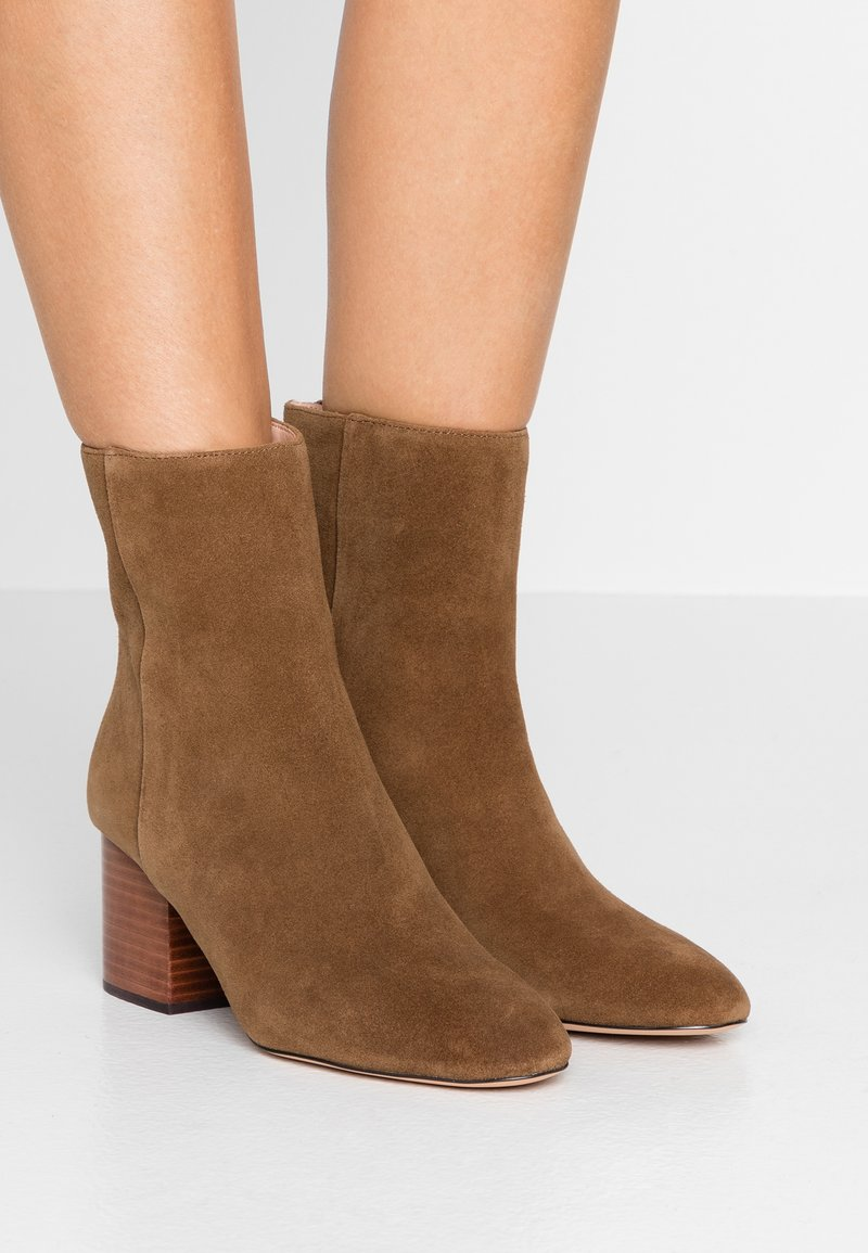 J Boot Sadie HeelBottines Dark crew Pecan With Stack thsrdCQx