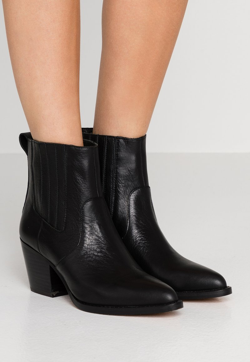 J.CREW - CHELSEA WESTERN BOOT - Cowboy/biker ankle boot - black